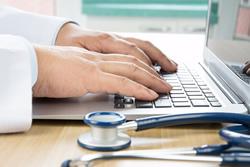 Trop d'informatique lors d'une visite médicale déstabilise le patient
