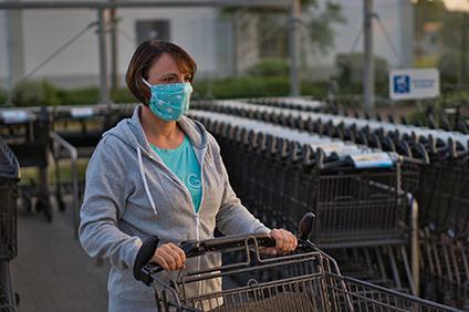 Les masques faciaux sont essentiels pour prévenir la propagation du Covid-19